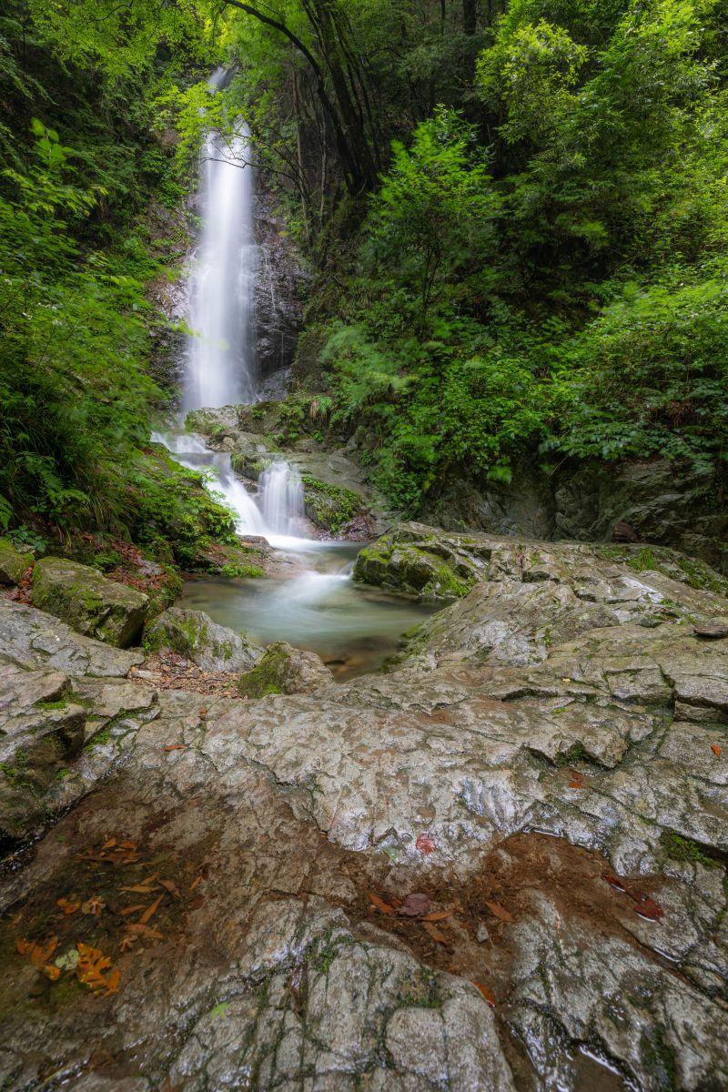 払沢の滝   自然・風景 > 滝   GANREF
