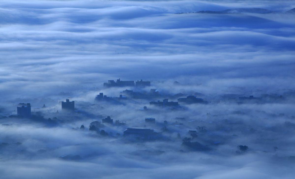 雲上の街 | 自然・風景 > 空・雲 | GANREF