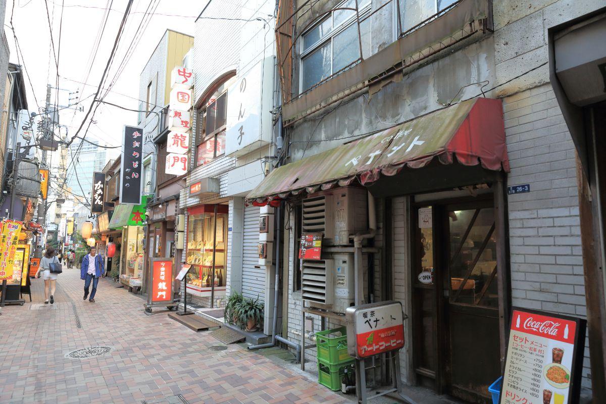 慶應仲通り商店街(喫茶ペナント) | 街並み・建物 > 店舗 | GANREF