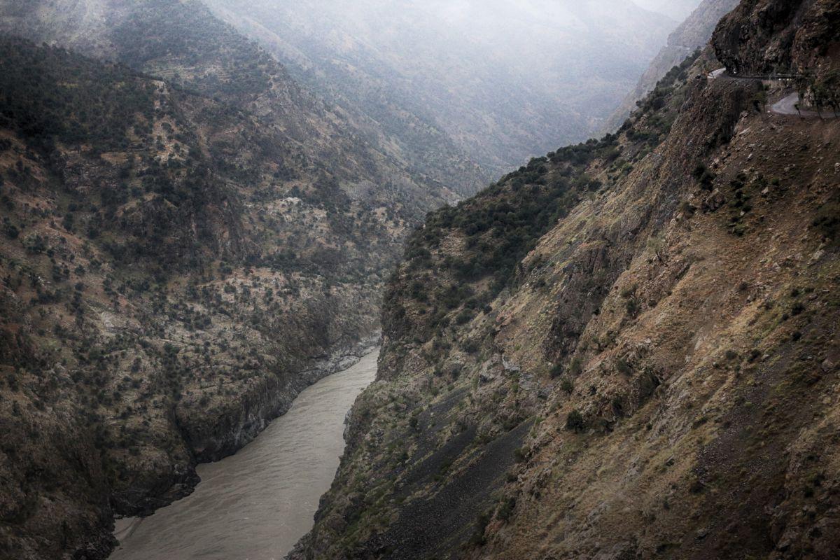 千仭 の 谷
