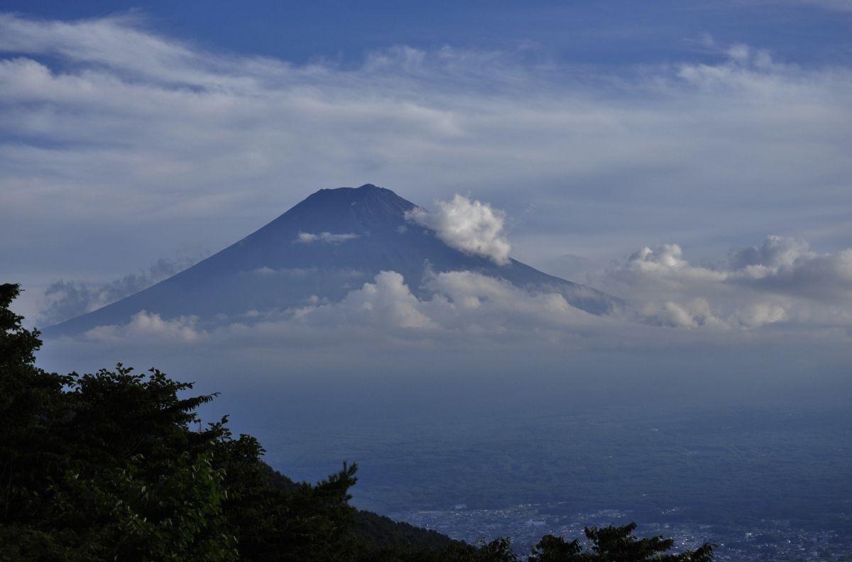 富士山雲景 !   自然・風景 > 山   GANREF