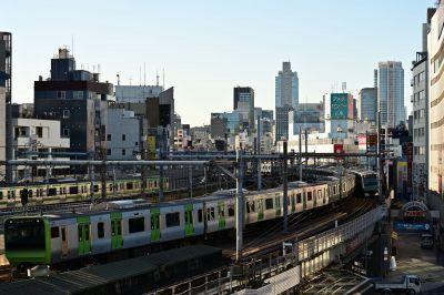 緊急事態宣言下の上野駅