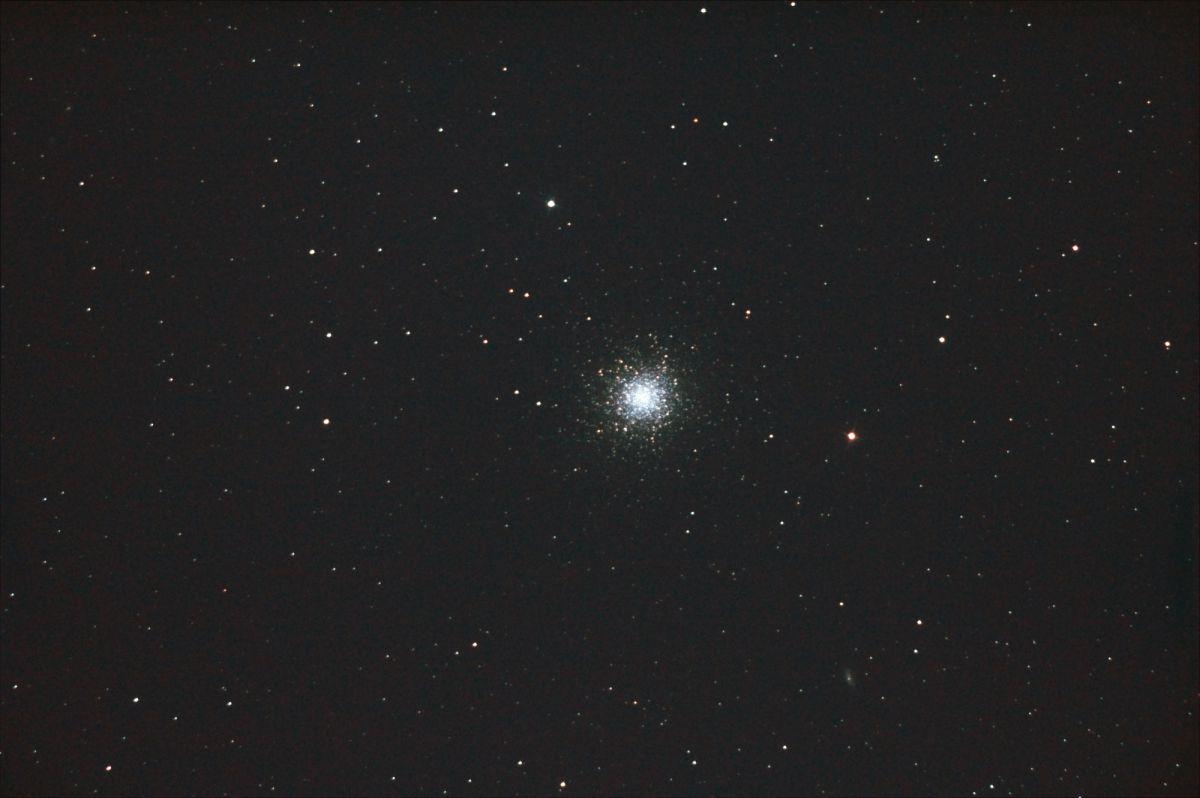 ヘルクレス座球状星団M13 | 自然・風景 > 宇宙・天体 | GANREF