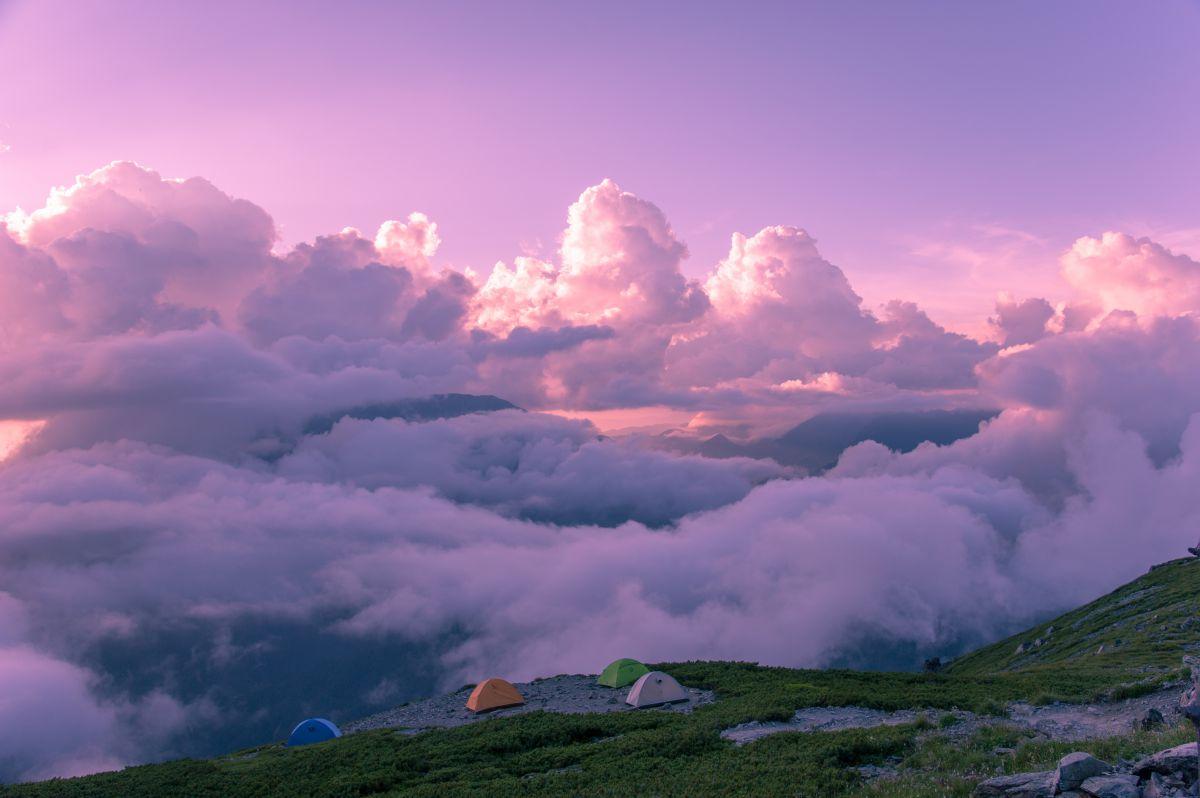 雲上のテン場 | 自然・風景 > 空・雲 | GANREF
