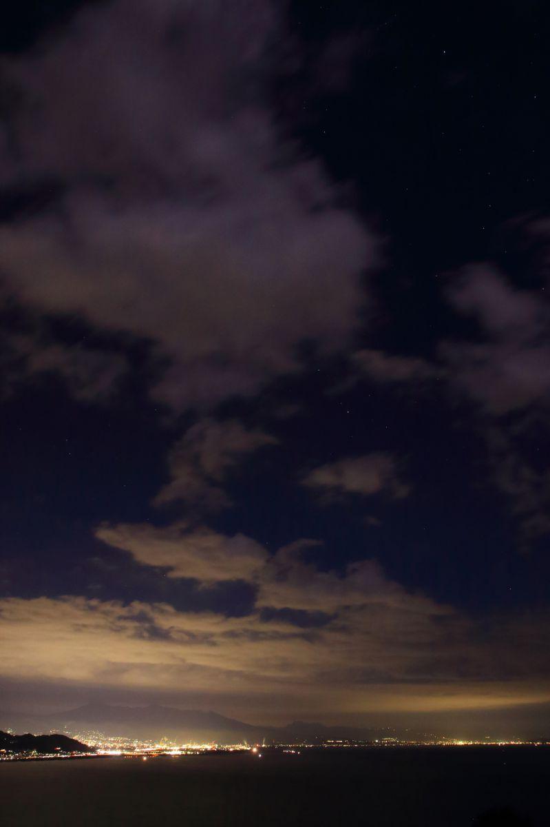 夜の空 雲の流れ | 自然・風景 > 宇宙・天体 | GANREF