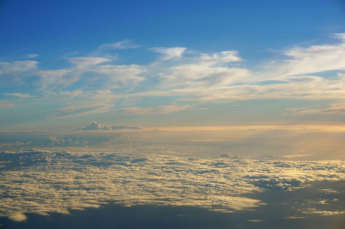 雲上界 | 自然・風景 > 空・雲 | GANREF