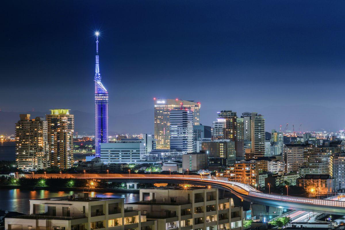 福岡の夜景 街並み 建物 夜景 Ganref