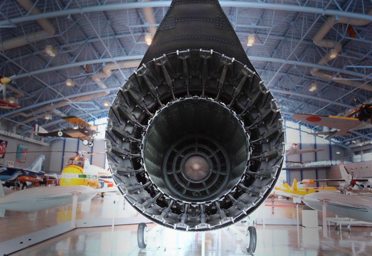 ターボジェットエンジン | 乗り物・交通 > 航空機・空港 | GANREF